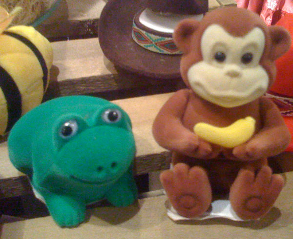 Monkeys and Frogs belong together