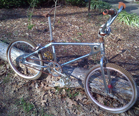 There is so0mething poetically pathetic about rebuilding your childhood bike. Am I chasing the ghost of the monkey I was or honoring the service of a valiant steed, who knows?  I'll ask the shadow...